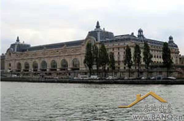 这里有埃菲尔铁塔 ,奥赛博物馆,巴黎军校,罗丹美术馆,巴黎政治学院等